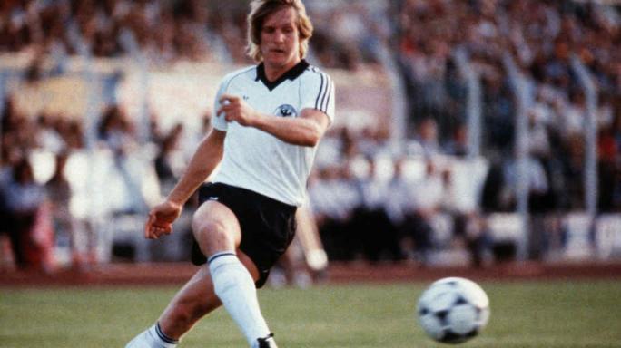 10 estrellas del fútbol que nunca jugaron un Mundial
