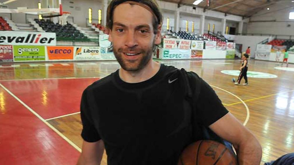 Oberto vuelve a entrenarse con Atenas después de varios años (Foto: La Voz)