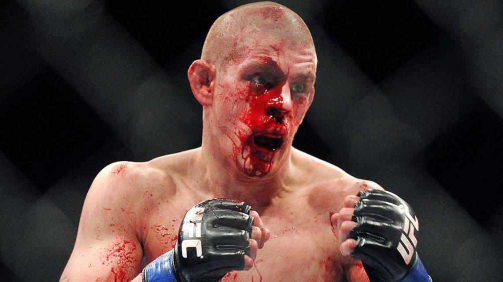 Antes de la pelea principal, Jim Miller superó a  Joe Lauzon en una sangrienta pelea.