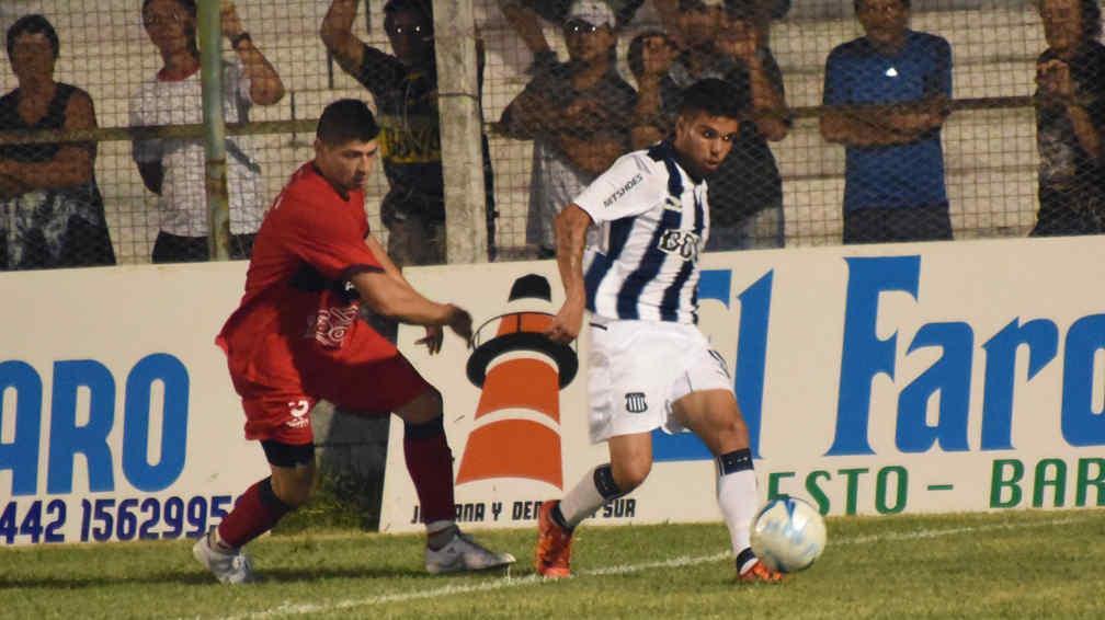 Talleres le ganó a Defensores de Pronunciamiento (Foto: gentileza La Calle de Concepción de Uruguay).
