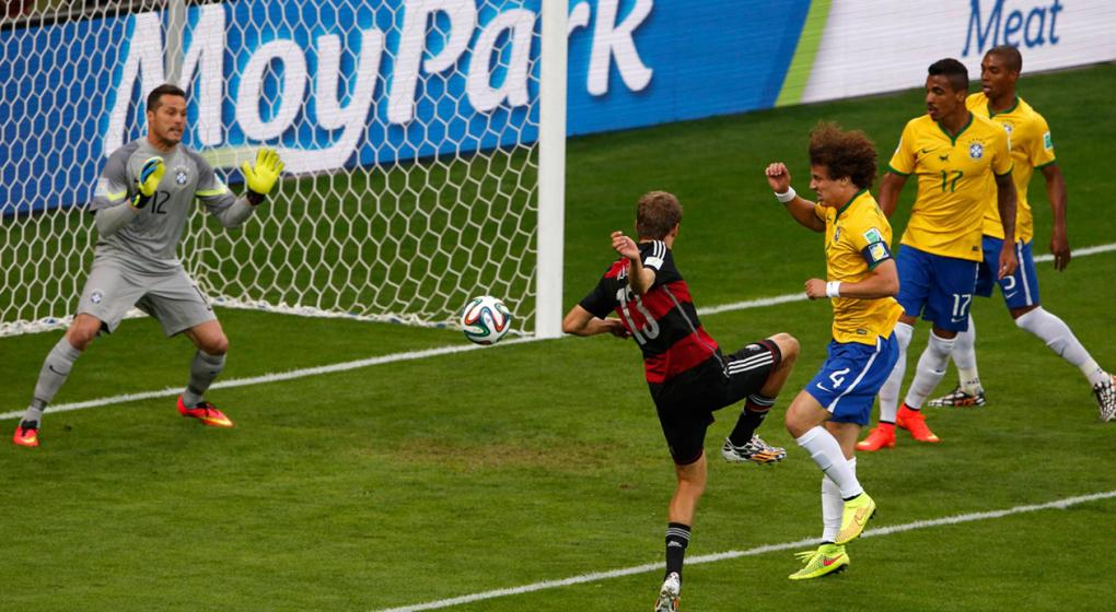 Más vale tenerlo lejos: Brasil donó el arco del 7-1 ante Alemania