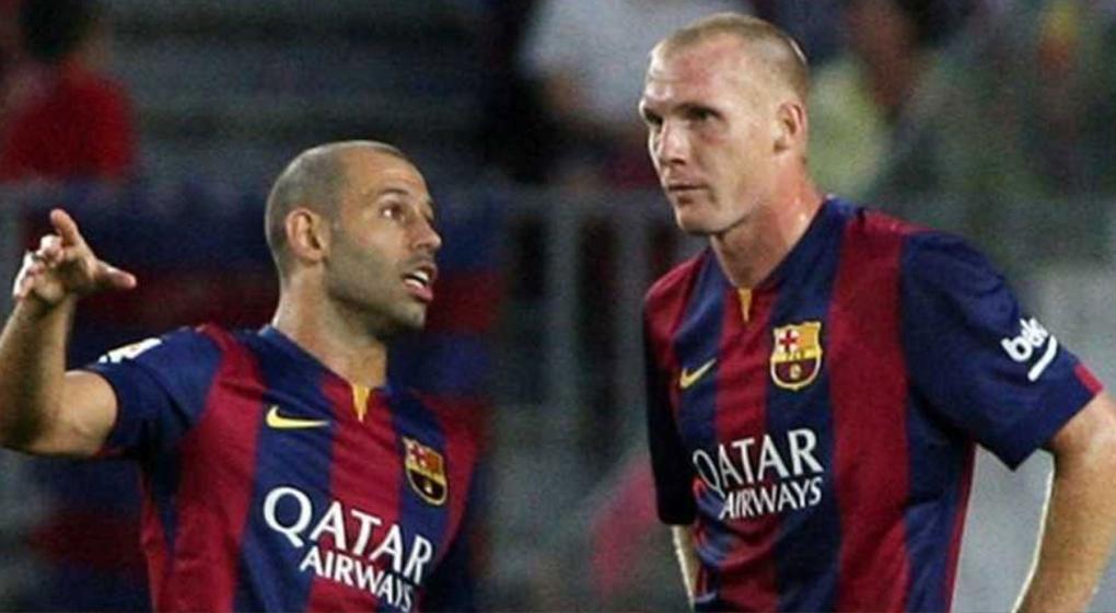 Un ex Barcelona, apunta contra Mascherano y Piqué