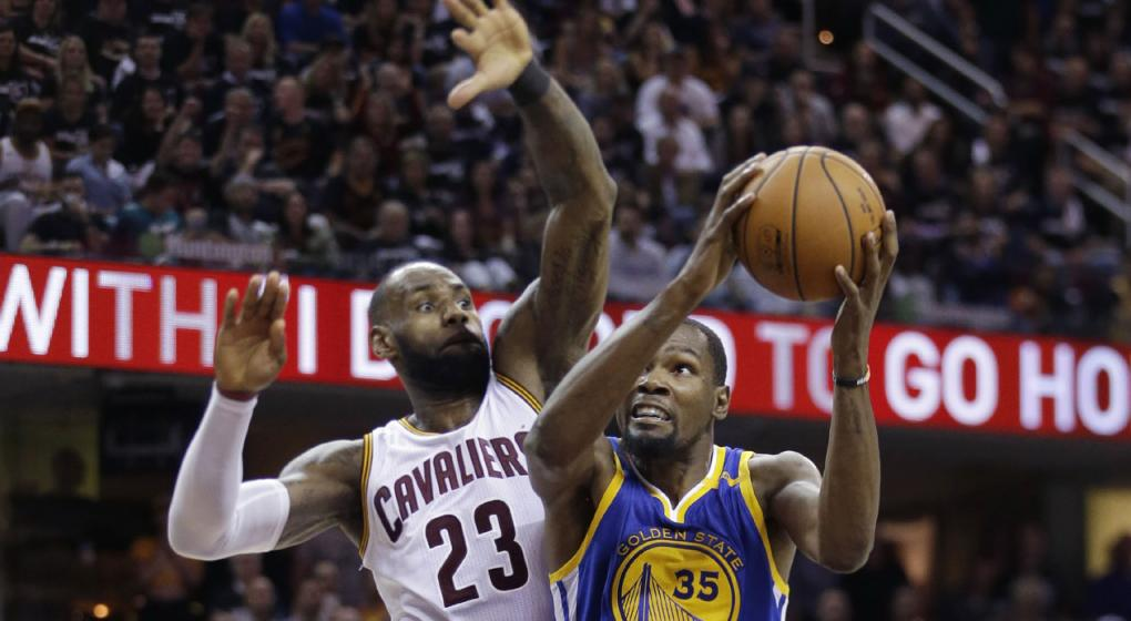 LeBron y Cavs cortan la postemporada perfecta de Warriors