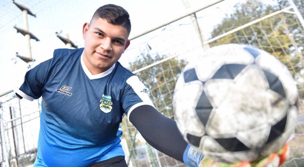 Ataja en Talleres, le falta el brazo derecho y jugará el Mundial de amputados