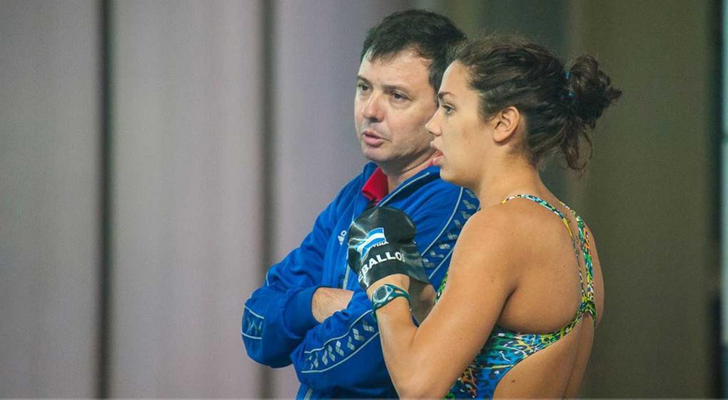 Resultado de imagen para gustavo roldan jefe tecnico de selección nacional de natación