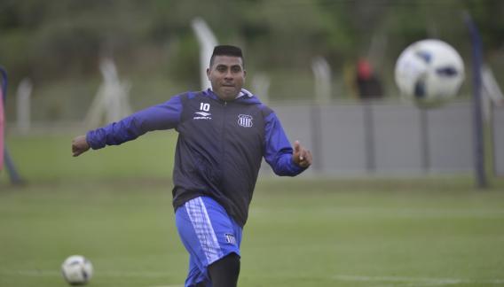 Hachita Ludueña anuncia su retiro del futbol