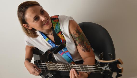 Bardach revela su sueño de niña: ser como Flea, el bajista de los Red Hot Chili Peppers. (Jairo Stepanoff)