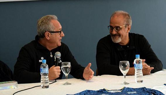 Presente y futuro. Velasco y Mendez, en una conferencia histórica. (Prensa Feva)
