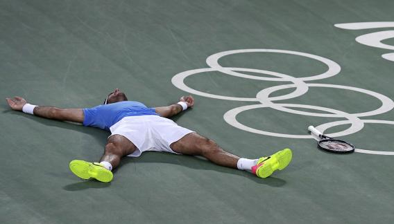 Del Potro ganó un partidazo ante Nadal y es finalista. (Foto: AP)