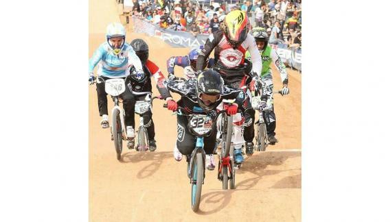 Díaz lleva 28 años en la práctica del BMX Race y sus entrenadores son Marcelo Dippert y Carlos Eduardo Ortega. (CBAX)