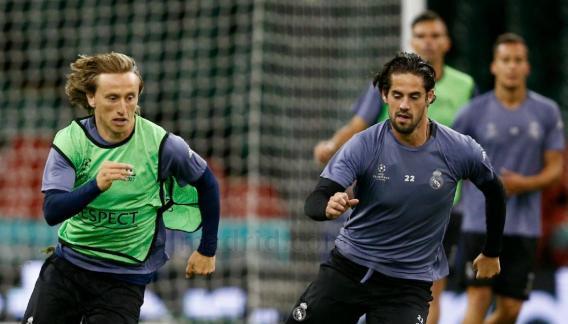 El Real Madrid se entrenó ayer en el estadio de Cardiff. (Prensa Real Madrid)