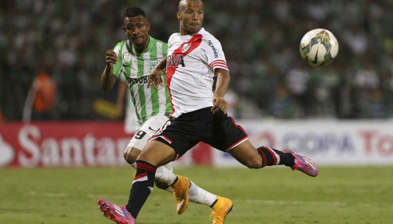 River, con un gol de Pisculichi, empató en Colombia (Foto: AP).