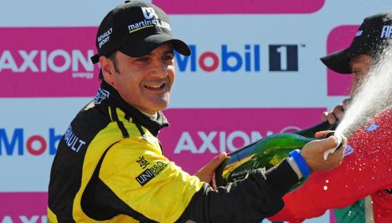 Spataro ganó la primera carrera del año del Súper TC2000 (Foto: Télam).