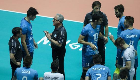 Julio Velasco confirmó el equipo para el Mundial de Italia y Bulgaria. (prensa FIVB)