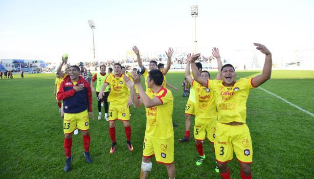 El festejo del plantel de Las Palmas. (Foto: Pedro Castillo)