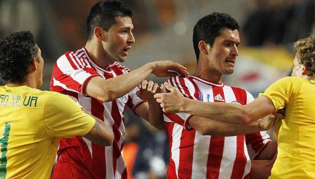 Regresa. Antolín Alcaraz, el segundo de izquierda a derecha, disputará su primer partido de las actuales eliminatorias. // Foto: AP