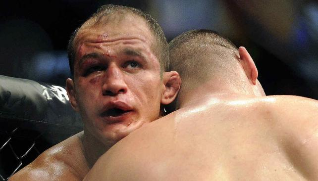 Cain Velasquez-Junior Dos Santos: la sangrienta pelea de Fox Sports. (Foto: AP)