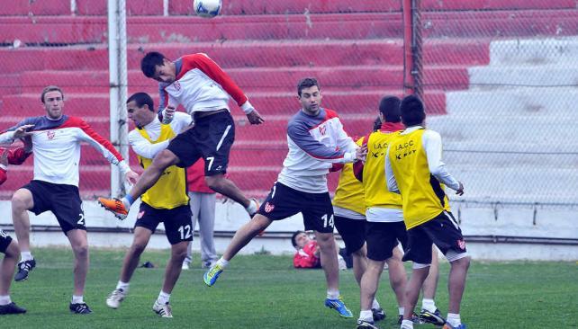 Velázquez llegaría al partido del lunes. (Foto: Ramiro Pereyra)