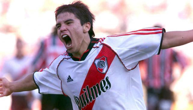 Javier Saviola anunció su retiro del fútbol