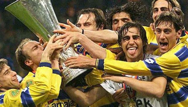 Atento Donofrio, Parma remata sus copas.